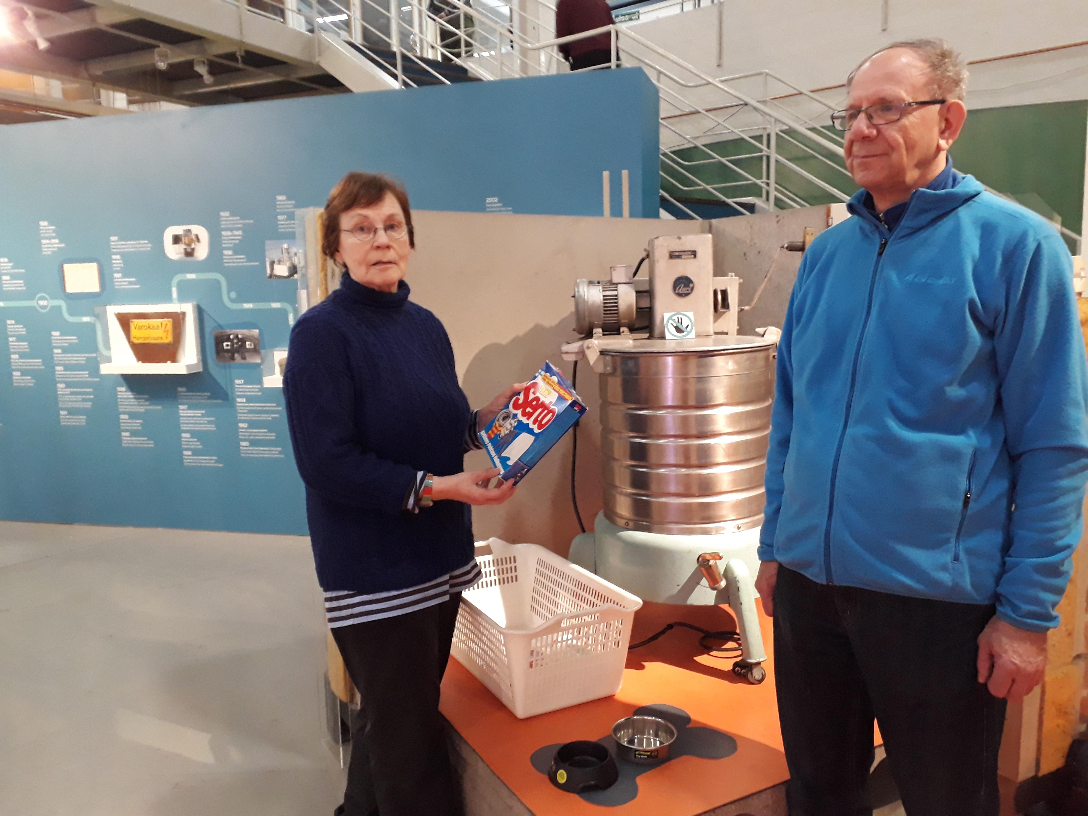 Viikin seniorikerho vierailulla Tekniikan museossa.