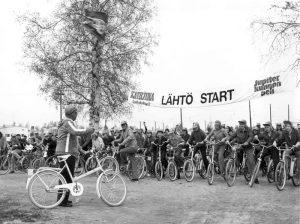 Jupiter-polkupyörämarssin lähtö Jyväskylässä 1974