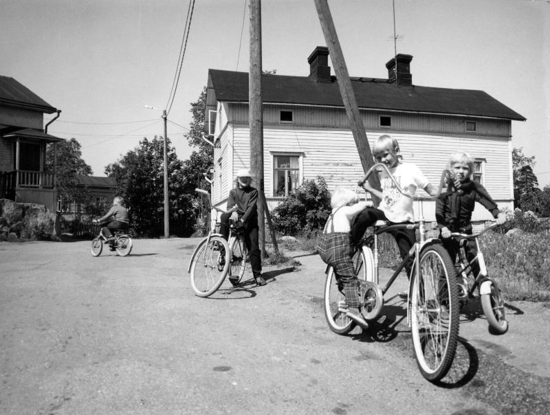 1970-luku pyörän selässä