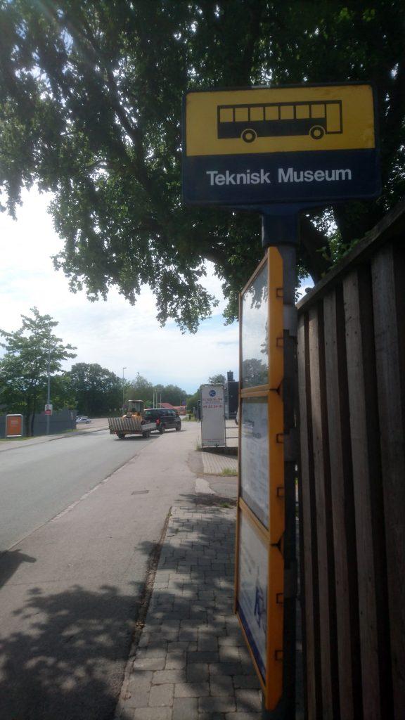 Tekniikan museon bussipysäkki