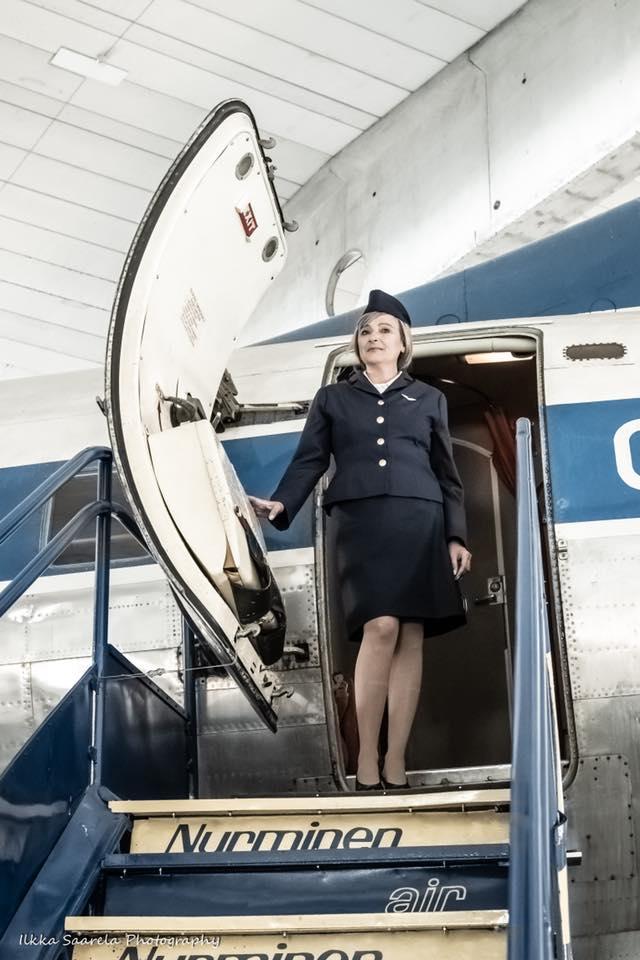 Marika ja Päivässä Pariisiin -näytelmän lavasteena käytetty Convair 440 Metropolitan