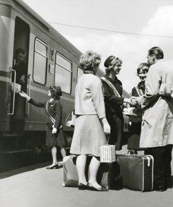 Matkustajien opastusta