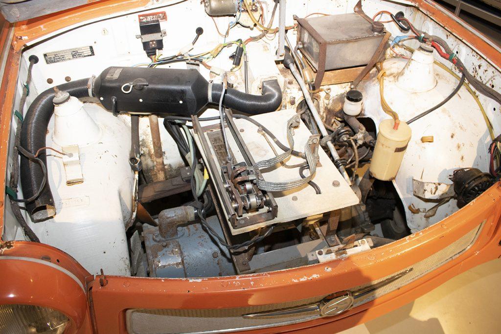 Trabantin konehuoneeseen on rakennettu sähköauton vaatima tekniikka.