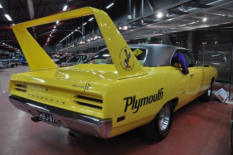 Nascar-kilpailuihin muotoiltu Plymouth Roadrunner Superbird erottuu näyttävän takaspoilerin ansiosta.