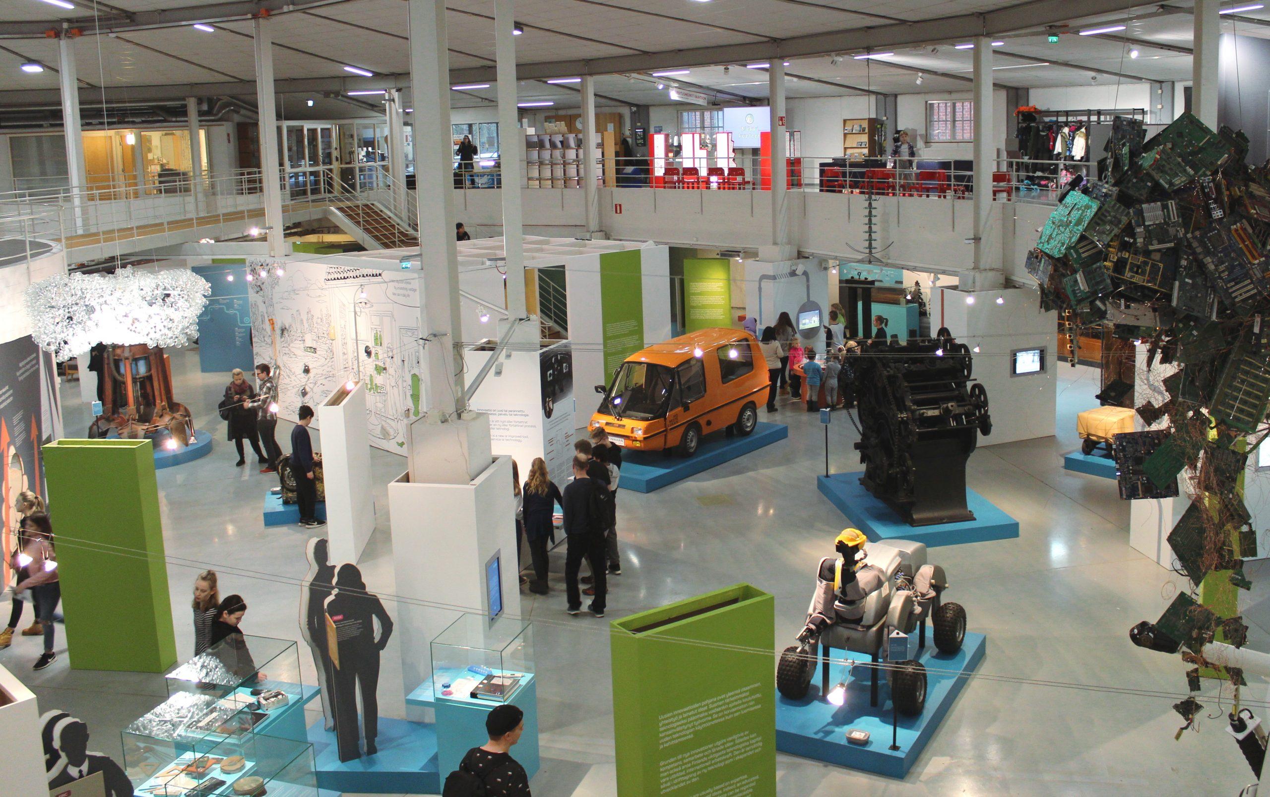 Tekniikan museon näyttelytiloja